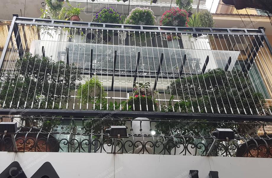 Lưới bảo vệ an toàn cầu thang - ban công.jpg